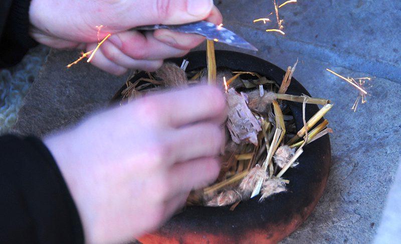 Ein Feuer bitte – nach Steinzeit-Art