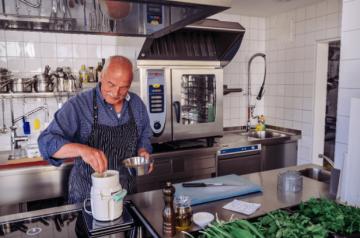 Aufgetischt! Christina & Peter Knobloch || Knoblochs Kräuterküche