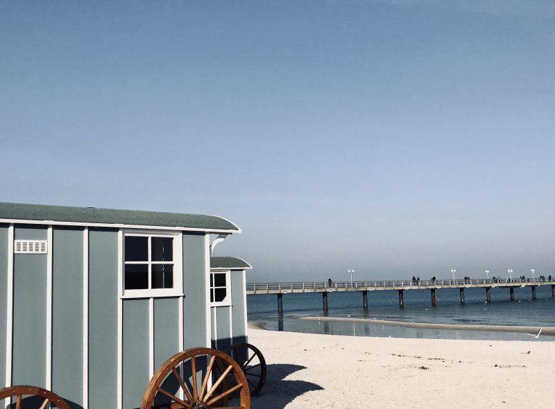 Sauna am Strand: Zum Abkühlen in die Ostsee